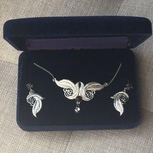 Montana Silversmiths Jewelry Set NIB